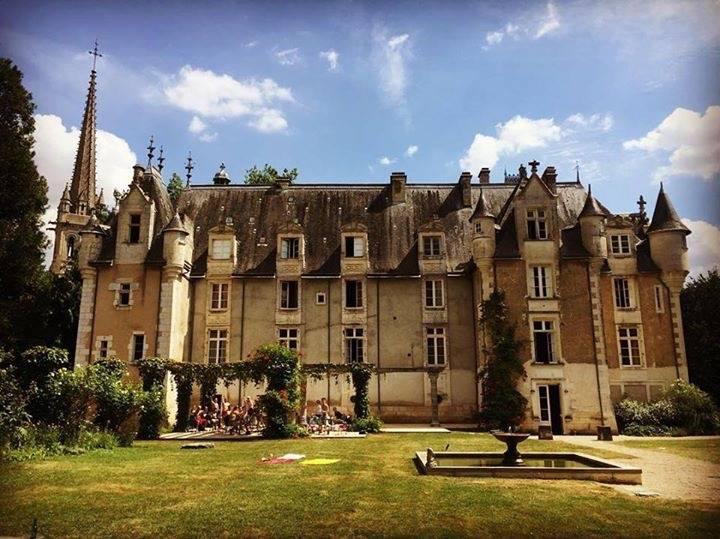 sick chateau pic